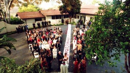 Kellogg House Wedding in the front