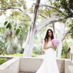 bride holding bouguet outdoors-CG (10)